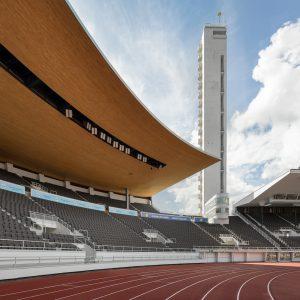 Olympiastadion troni ja katsomot